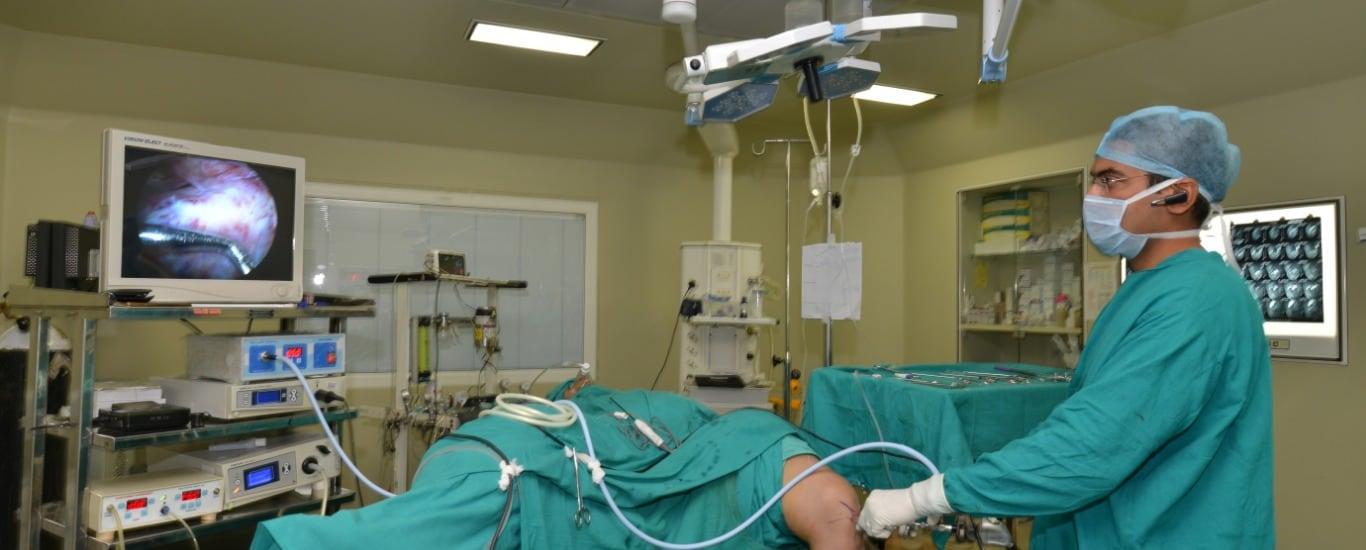Arthroscopy surgeon Dr Abhishek kalantri